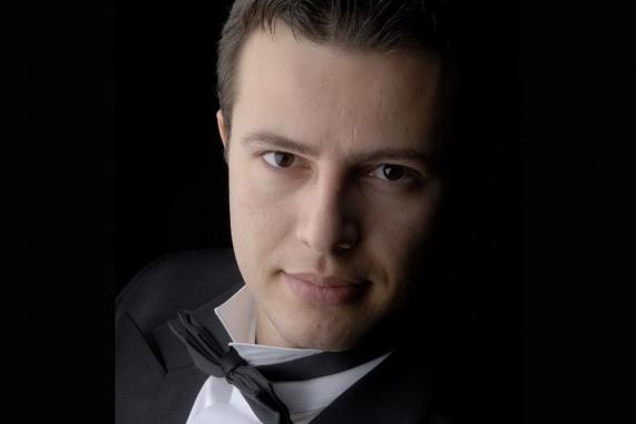 Деян Вачков