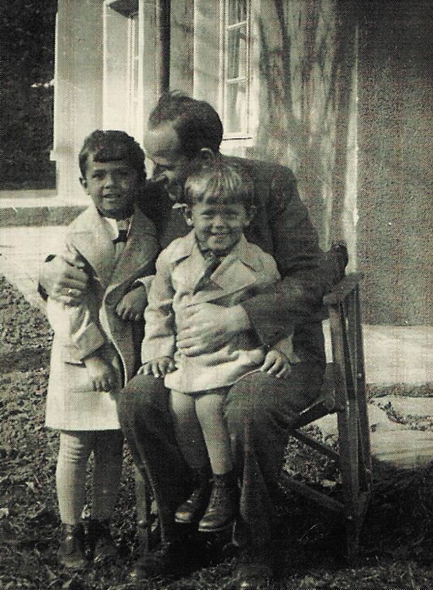 Анани, Христо и Владимир Явашеви