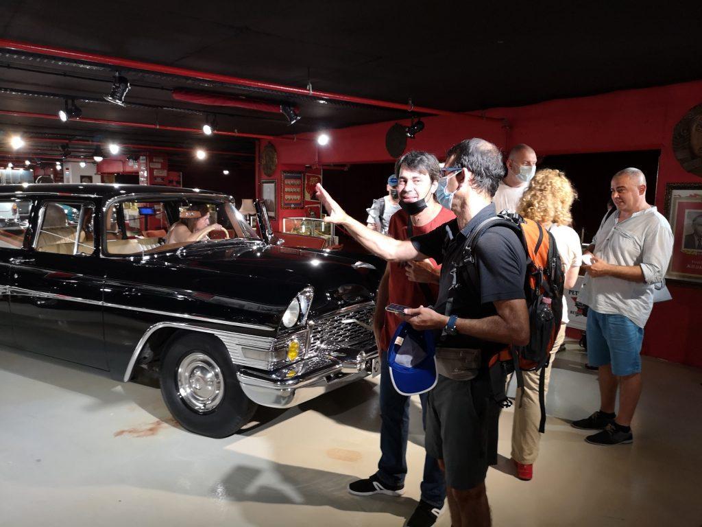 Израелски журналсти в Ретро Музея в Grand Mall във Варна - Чайка