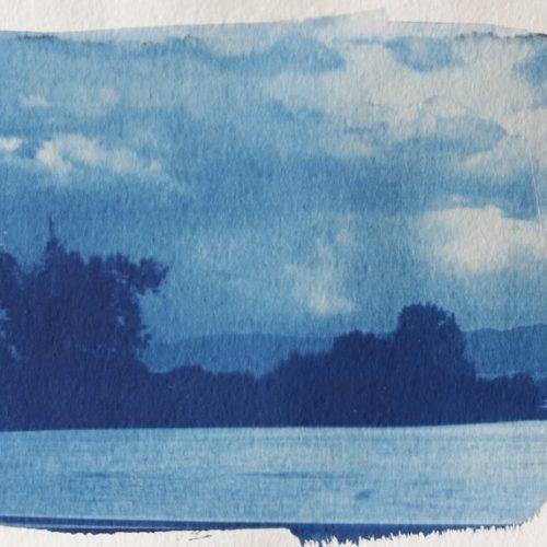 """""""Свободно движение"""" на Юлиана Хичева в преследване на сянката на нещата"""